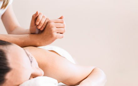 masaje-descontacturante-sevilla